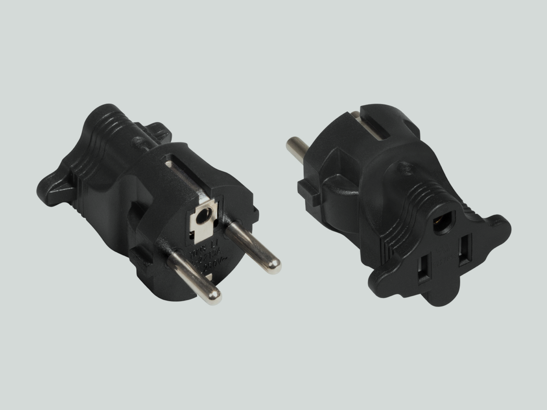 A plug adapter for a 110/230V power cable with a US (NEMA) plug.