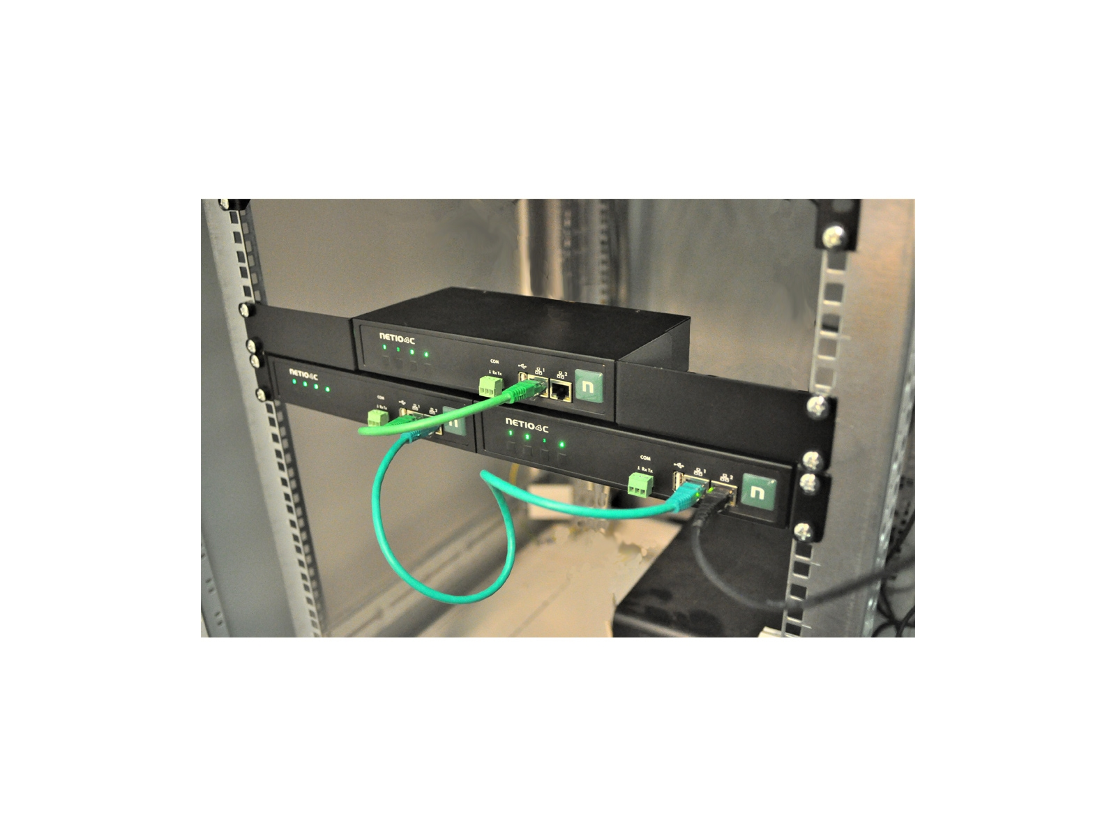 PowerPDU 4C can be daisy chained by RJ 45 - built-in ethernet switch